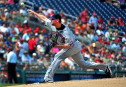 Mets' Mike Pelfrey pitches in Washington