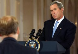 BUSH HOSTS KENYAN PRESIDENT KIBAKI ON STATE VISIT