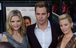 """Elizabeth Banks, Chris Pine and Michelle Pfeiffer attend the """"People Like Us"""" premiere in Los Angeles"""