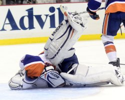 Islanders Goalie Evgeni Nabokov in Pittsburgh
