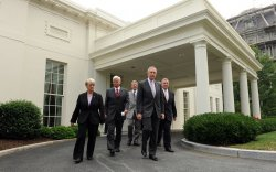 Democratic Senate leaders lunch with Obama at White House