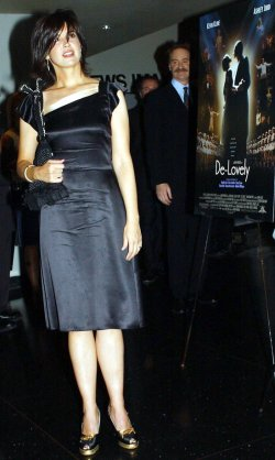 "KEVIN KLINE ATTENDS NEW YORK FILM PREMIERE OF ""DE-LOVELY"""