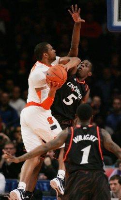 Cincinnati vs Syracuse in semi-final action at the NCAA Big East Men's Basketball Championships in New York