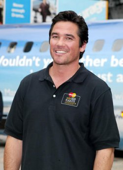 DEAN CAIN MANS LIMO-PLANE VISTOR'S CENTER IN UNION SQUARE