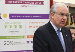 Missouri Governor visits school to stress importance of meals