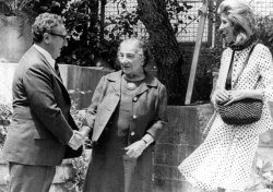 HENRY KISSINGER AND WIFE NANCY MEETING WITH GOLDA MEIR