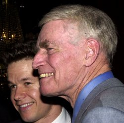 HESTON, WAHLBERG ATTEND FILM PREMIERE OF PLANET OF THE APES