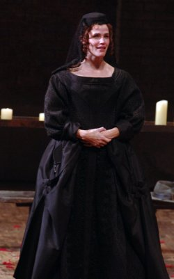 "Jennifer Garner makes Broadway debut in play ""Cyrano de Bergerac"""