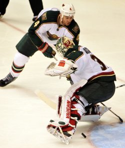 NHL,Coyotes vs Wild in Arizona