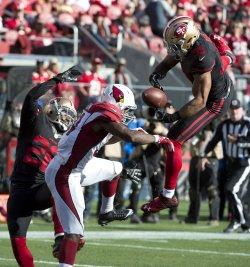 49ers break up pass from Cardinals Carson Palmer