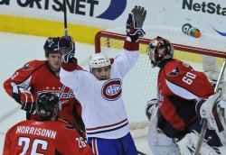 Canadiens score against the Capitals in Washington