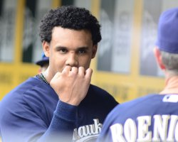 Brewers Gomez Scratches Nose While Stealing Second in Pittsburgh