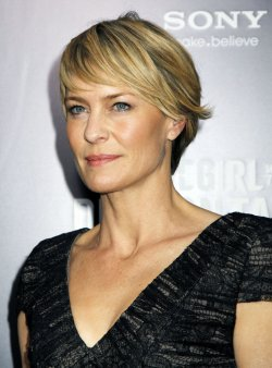 "Robin Wright arrives for ""The Girl With The Dragon Tattoo"" Premiere in New York"