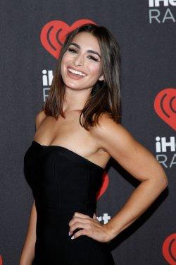 Ashley Iaconetti arrives for the iHeartRadio Music Festival