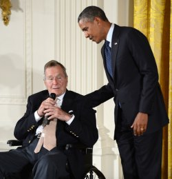 Obama and Bush Celebrate the Points of Light Foundation