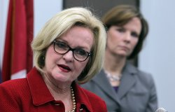 Senator Claire McCaskill joins St. Louis Circuit Attorney to urge U.S. House to end logjam on critical legislation