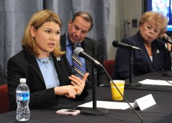 Sara Wade participates in a roundtable on wounded warrior care in Washington