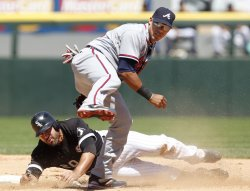 Braves Escobar turns double play against White Sox in Chicago