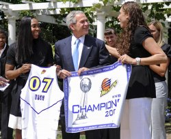 President Bush welcomes WNBA Champions Phoenix Mercury to the White House