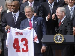 President Bush welcomes NY Giants to White House in Washington