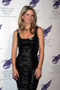 Kelli O'Hara arrives for the 2010 American Theatre Wing Gala in New York
