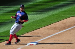 Red Sox Cody Ross steals third in Washington