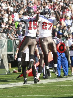 Oakland Raiders vs Tampa Bay Buccaneers in Oakland, California