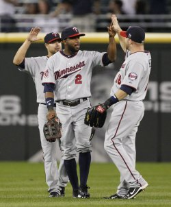Twins Span, Kubel, Repko celebrate win over White Sox in Chicago
