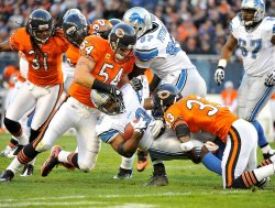 Bears Urlacher, Tillman stop Lions Morris in Chicago