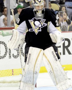 Penguins Goalie Fleury Replaces Starting Goalie in Pittsburgh