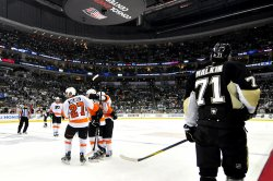 Flyers Defeat Penguins 8-5 in Game 2 in Pittsburgh