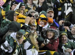 Packers Nelson celebrates touchdown against Vikings in Green Bay, Wisconsin