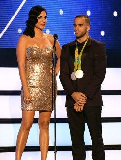 Latin Artist Scarlet Ortiz and Danell Leyva at the 2016 Premios Tu Mundo Show