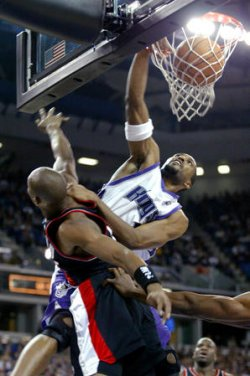 SACRAMENTO KINGS VS PORTLAND TRAIL BLAZERS