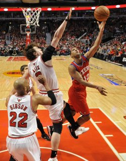 76ers' Turner shoots agaisnt Bulls during Playoff Game in Chicago