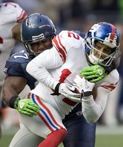 New York Giants wide receiver Steve Smith caught four passes for 46 yards and one touchdown in the Giants 41-8 win over the Seahawks.
