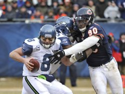 Bears Peppers pressures Seahawks Hasselback in Chicago