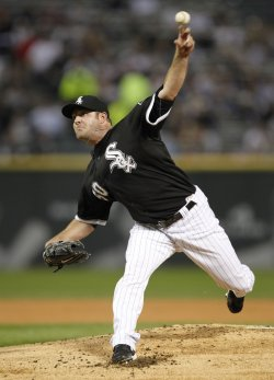 White Sox Danks delivers pitch against Twins in Chicago