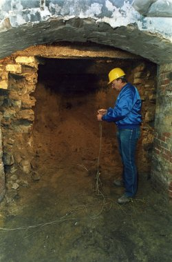 Al Capone's old vault of the Lexington Hotel found to be empty