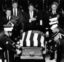 RONALD REAGAN WATCHES CASKET OF UNKNOWN SOLDIER PLACED IN TOMB