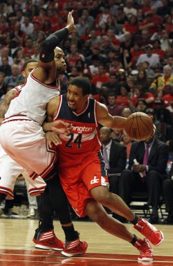 Wizards and Bulls play Game 1 of the Eastern Coference quarterfinals in Chicago