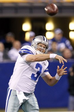 Cowboys Kitna Passes Against Colts