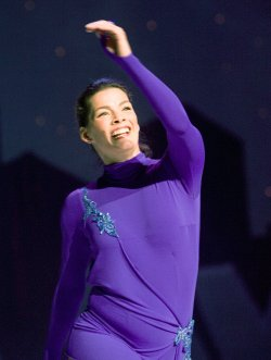 Nancy Kerrigan, Kevin Spirtas perform at Boulevard Casino near Vancouver
