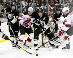Pens Staal protects Goal in Pittsburgh