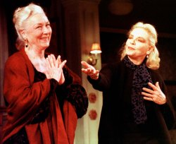Lauren Bacall returns to Broadway after 16 year absence