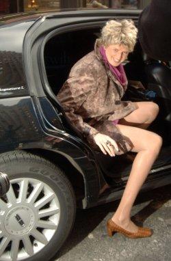 Svetlana Pankratova sets Guinness record for leg length