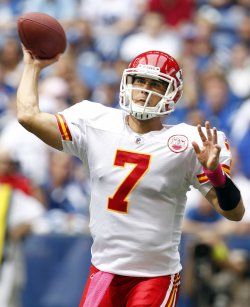Chiefs Quarterback Cassel Throws Against Colts
