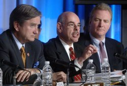 HOUSE COMMITTEE INVESTIGATES WALTER REED