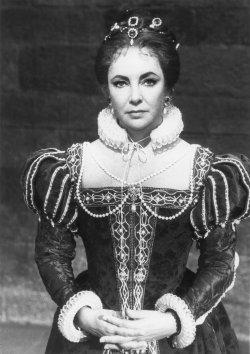 ELIZABETH TAYLOR ARCHIVE
