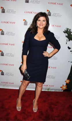 Tiffani Thiessen arriving at The 2011 FiFi Awards in New York City